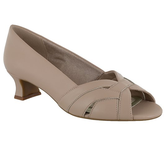 Easy Street Pumps - Brandy