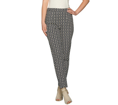 C. Wonder Medallion Printed Ankle Length Pants