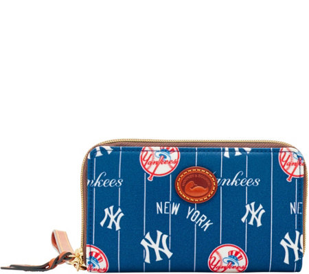 Dooney & Bourke MLB Nylon Yankees Zip Around Phone Wristlet