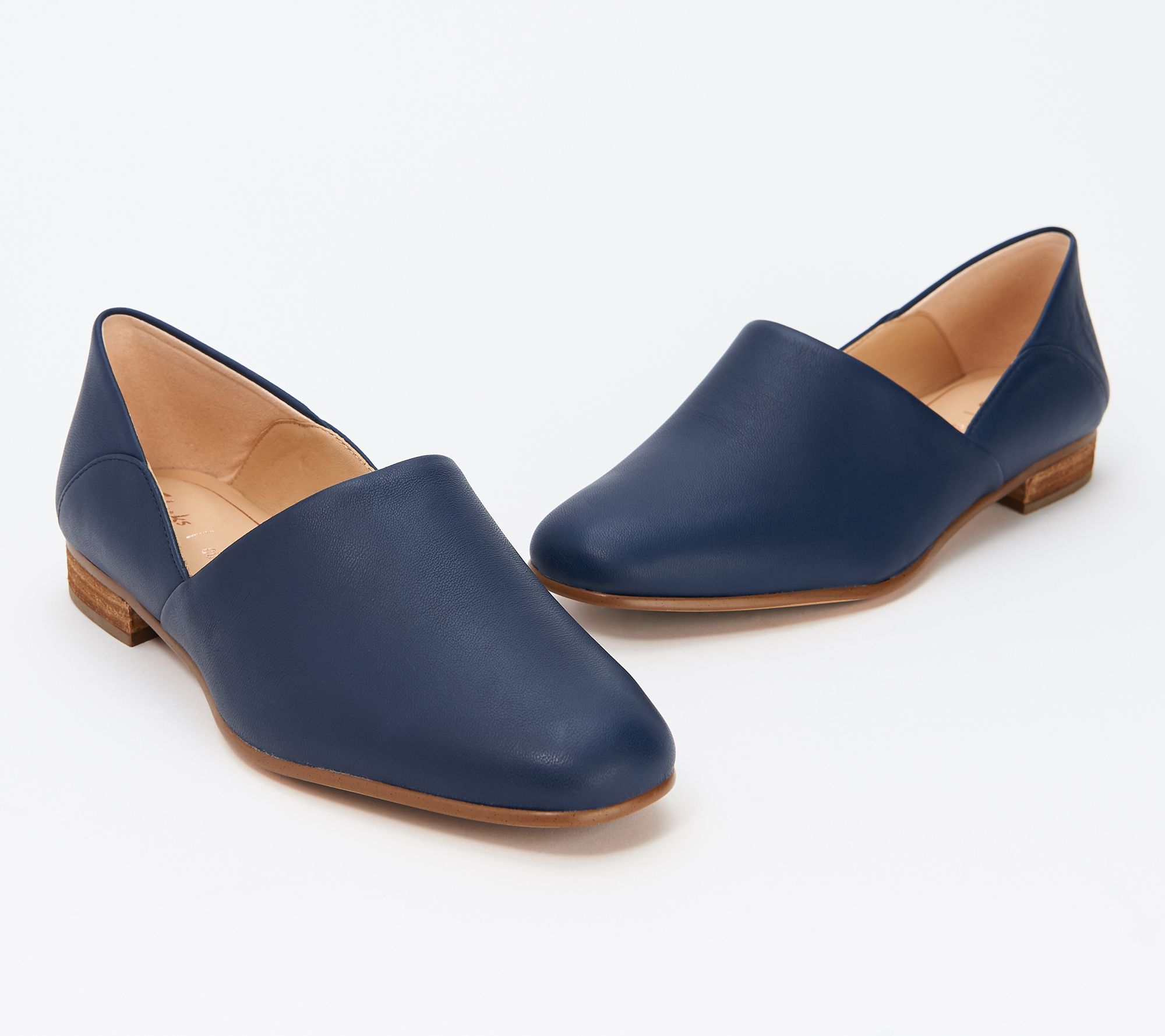 Alinear vamos a hacerlo sangre  Clarks Leather & Suede Slip-On Shoes - Pure Tone - QVC.com