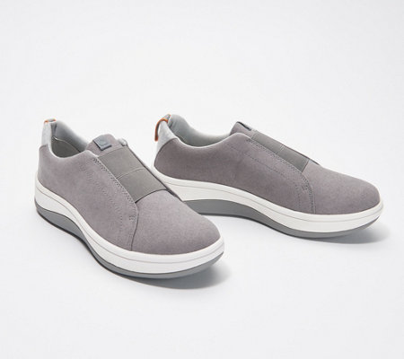 Cloudsteppers By Clarks Slip On Sneakers Arla Sage