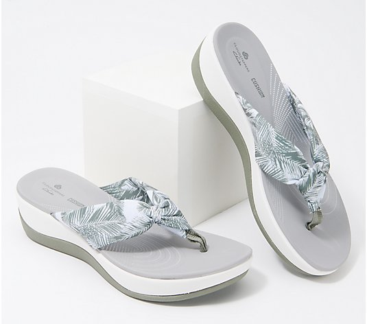 CLOUDSTEPPERS By Clarks Printed Thong Sandals - Arla Glison