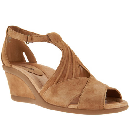 Earth Suede Peep Toe Wedge Sandals Curvet
