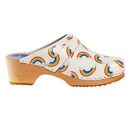 Cape Clogs Rainbows Style Clogs