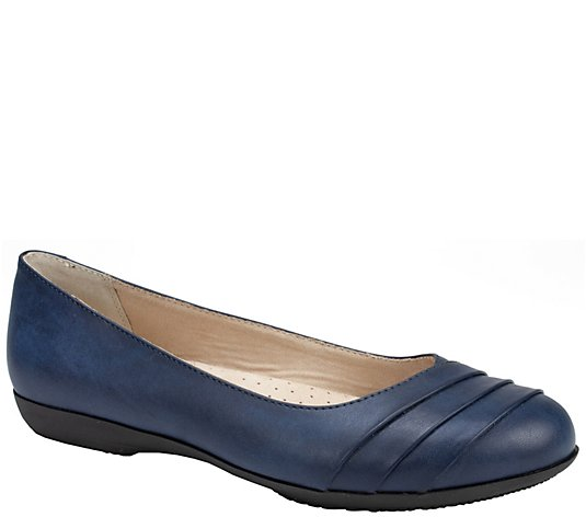 Cliffs by White Mountain Ballet Flats - Clara
