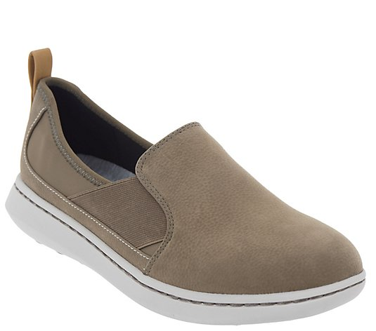 CLOUDSTEPPERS by Clarks Slip-on Shoes - Step Move Jump
