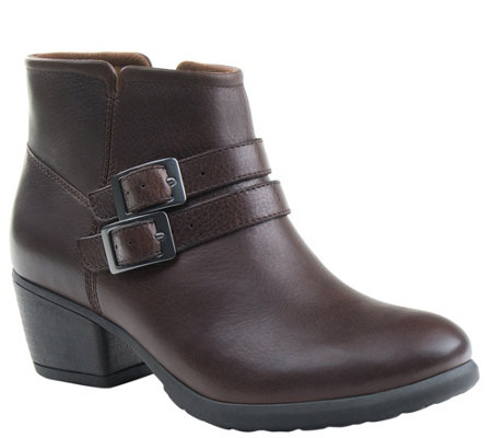 Eastland Leather Ankle Boots - Stella