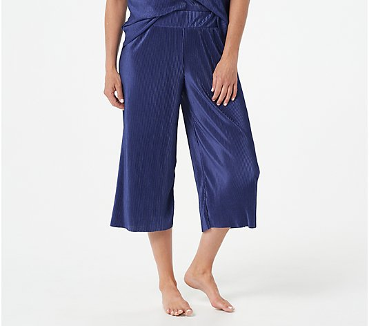 Cuddl Duds Pleated Jersey Cropped Pants