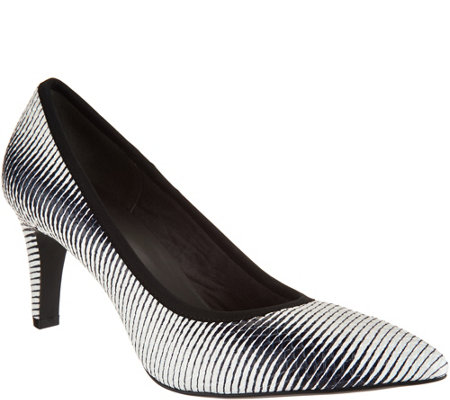 Lori Goldstein Collection Novelty Pumps