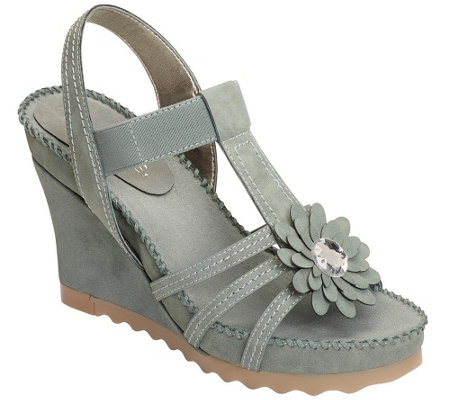Aerosoles Wedge Sandals - Cottontail