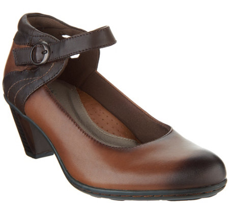 Earth Leather Mary Jane Pumps - Garnet