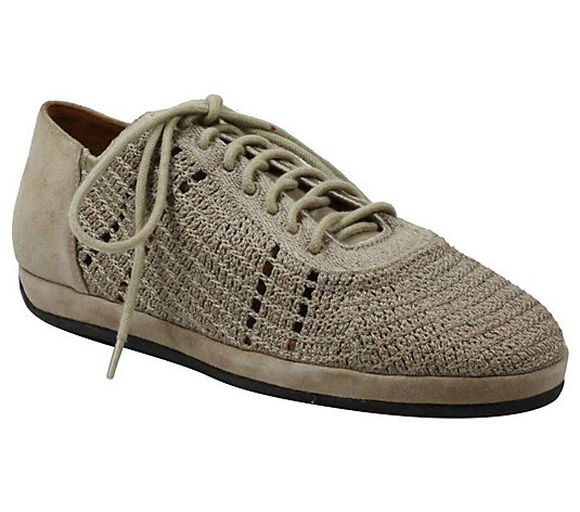 L'Amour Des Pieds Woven Lace-Up Oxfords - Yannic