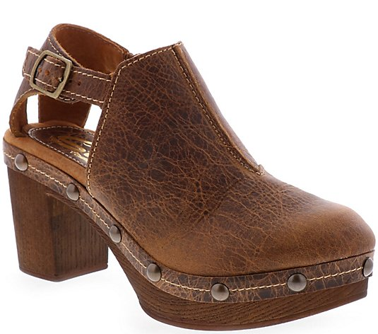 Sbicca Leather Clogs - Ellery
