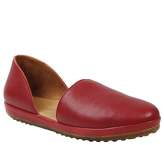 L'Amour Des Pieds Leather Flats - Yemina