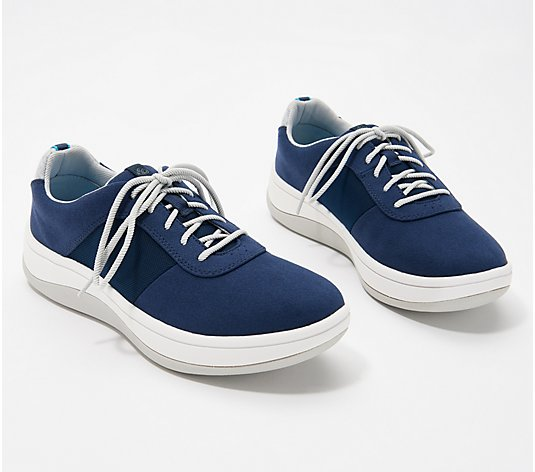 CLOUDSTEPPERS by Clarks Casual Sneakers - Arla Step