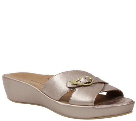 L'Amour Des Pieds Leather Low-Wedge Sandals - Cheyne