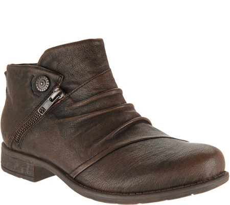 Earth Leather Ruched Ankle Boots - Ronan