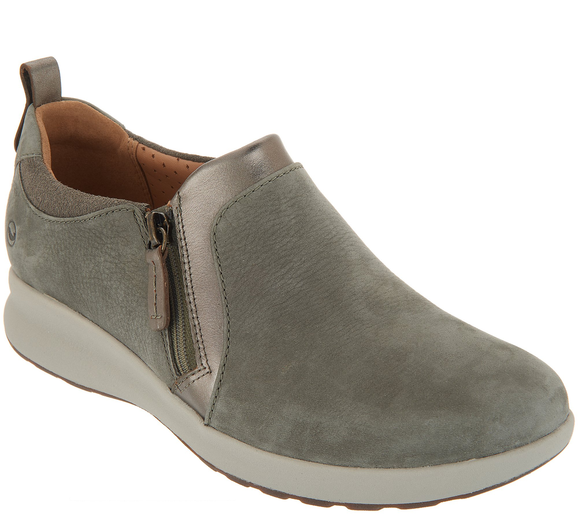 Irregularidades excepto por manguera  Clarks Unstructured Side-Zip Slip-On Shoes - Un.Adorn Zip - QVC.com