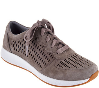 original cheap online Stylish Hit Color and Lace-Up Design Athletic Shoes For Men - Light Brown 40 clearance newest outlet classic cheap sale with paypal outlet discounts bjXBWYV5FG