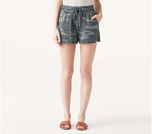 Splendid Camo Pull-On Shorts - Campside