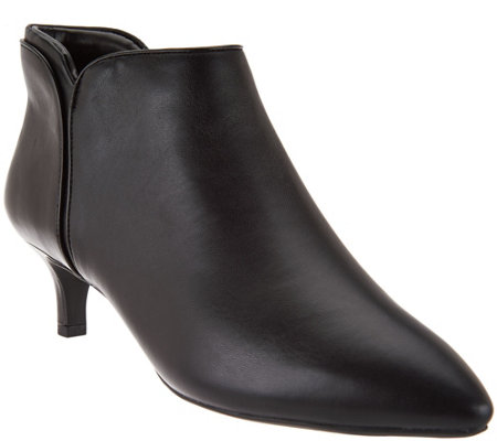 """As Is"" Rockport Total Motion Leather Kitten Heel Ankle Booties"