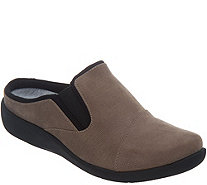 CLOUDSTEPPERS by Clarks Slip-On Clogs - Sillian Free - A341863