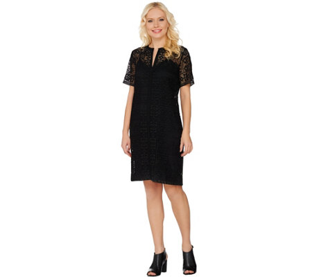 C. Wonder Lace Split Neck Short Sleeve Dress with Lining