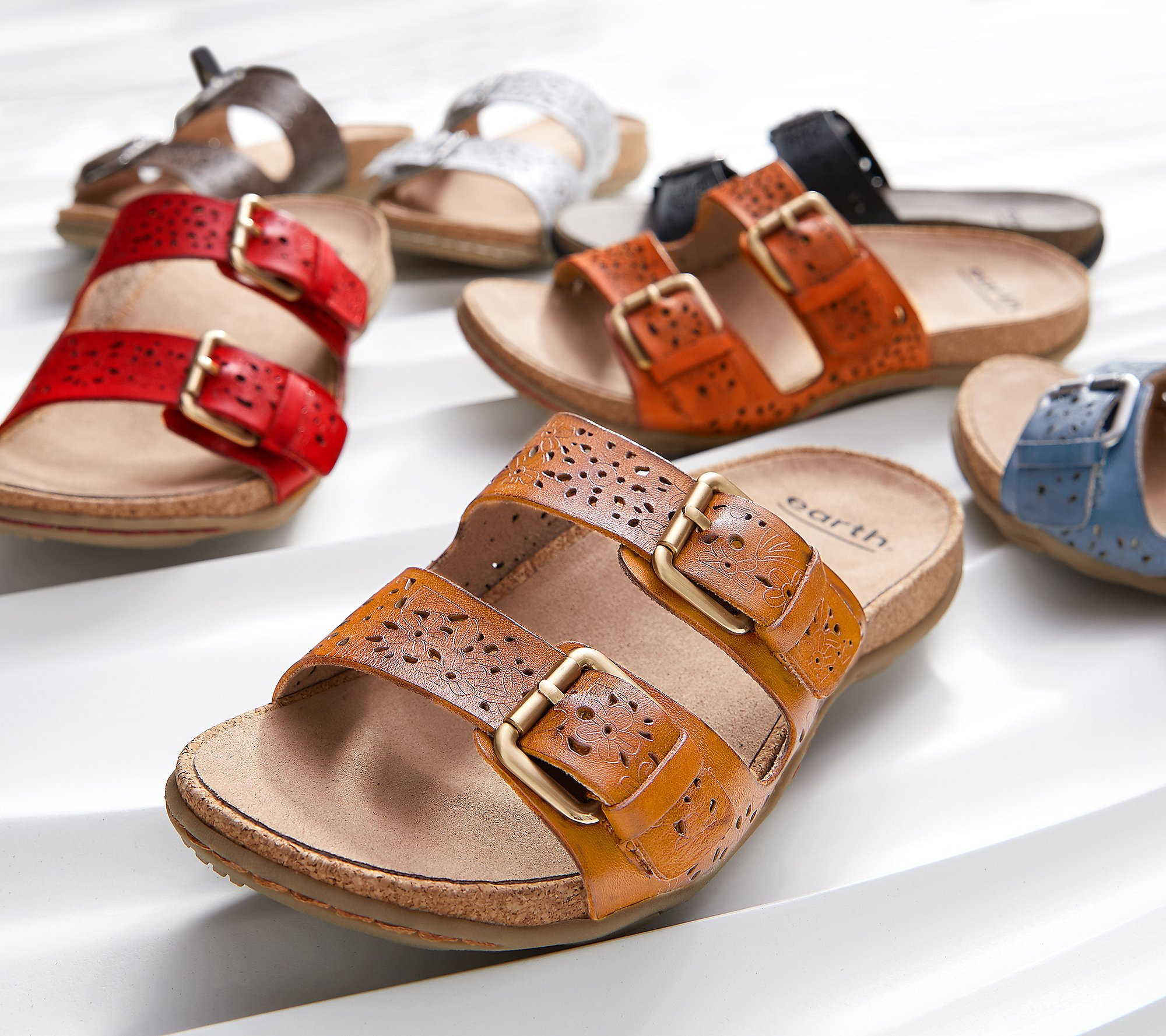 NEW Details about  /Earth Perforated Leather Slide Sandals Sand Antigua Black