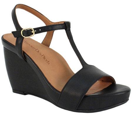L Amour Des Pieds Leather Sandals Idelle