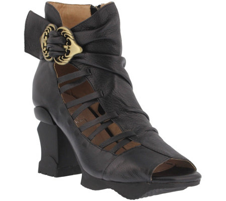L'Artiste by Spring Step Leather Booties - Nesgara