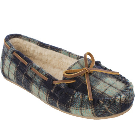Minnetonka Plaid Flannel Pile Lined Slipper - Plaid Cally