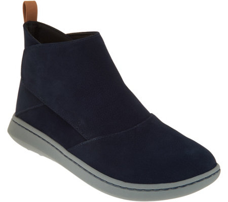 """As Is"" CLOUDSTEPPERS by Clarks Ankle Boots-Step Move Up"