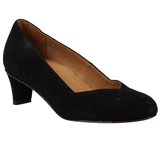L'Amour Des Pieds Slip-On Leather Pumps - Jozefa