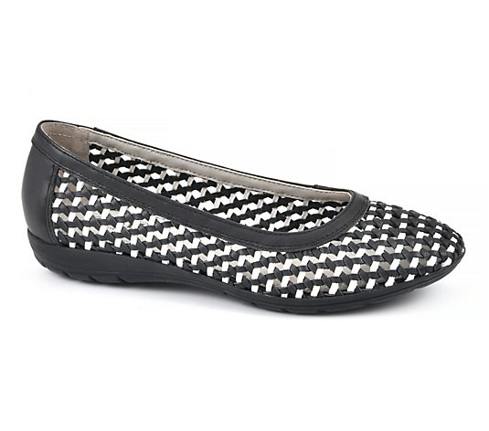 Cliffs Slip-On Leather Flats - Faylie