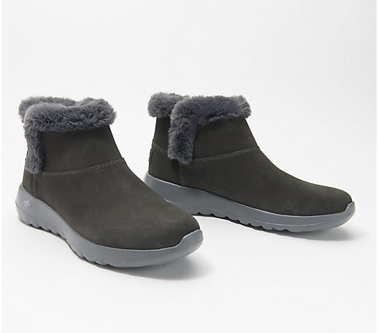 Skechers Solid On-the-Go Joy Bundle Up Ankle Boots