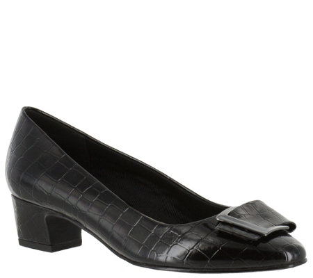 Easy Street Low Heel Pumps - Wisteria