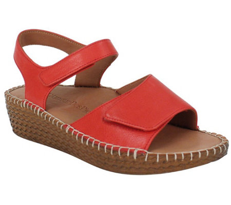 L'Amour Des Pieds Leather Wedge Sport Sandals - Yahya