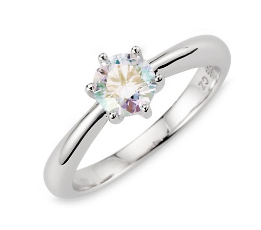 DIAMONIQUE® Ring = 0,90ct Aurora Silber rhodiniert