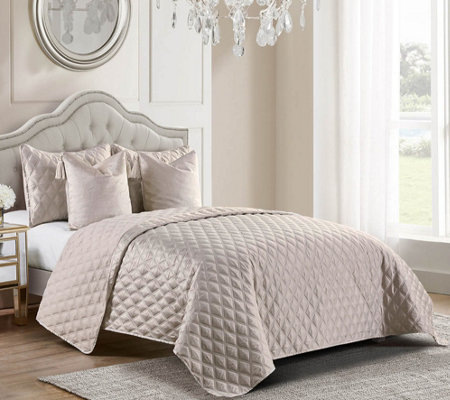 Inspire Me! Home Decor Vivienne Twin 4-piece Quilt Set