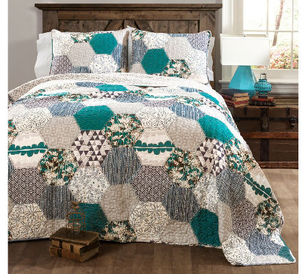 Briley Turquoise 3-Piece King Quilt Set by LushDecor