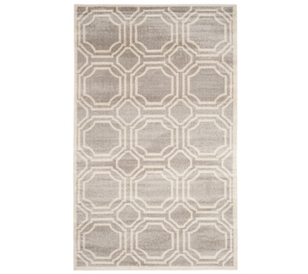 Safavieh Indoor/Outdoor Geometric Tile 5' x 8'Area Rug