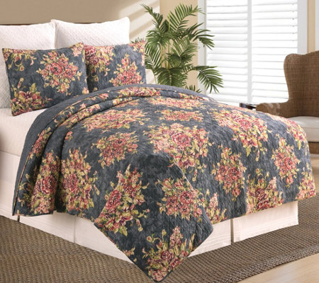 Regina Full/Queen Quilt Set by Valerie