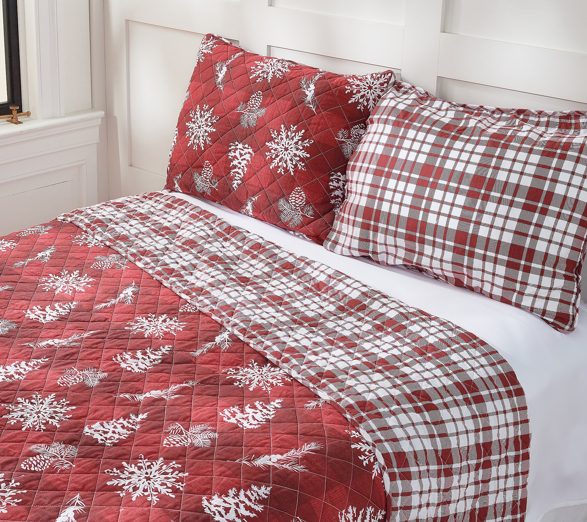 Home Reflections King Holiday Reversible Quilt Set Qvc Com