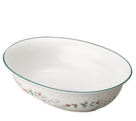 Pfaltzgraff Winterberry Oval Vegetable Bowl  11/2 Qt.