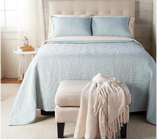 Casa Zeta-Jones Matelasse Jacquard Full Bedspread with Shams