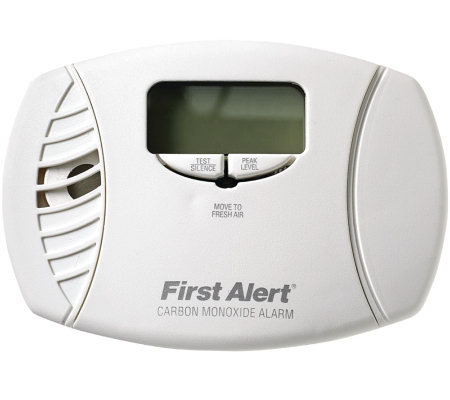 First Alert Carbon Monoxide Plug-in Alarm & Digital Display