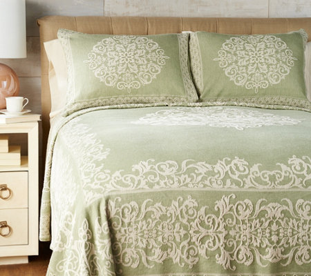 Amadeus 100% Cotton Scroll Pattern Bedspread with Sham(s)