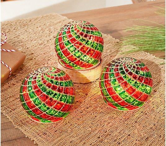 Set of 3 Illuminated Quilted Plaid Spheres by Valerie