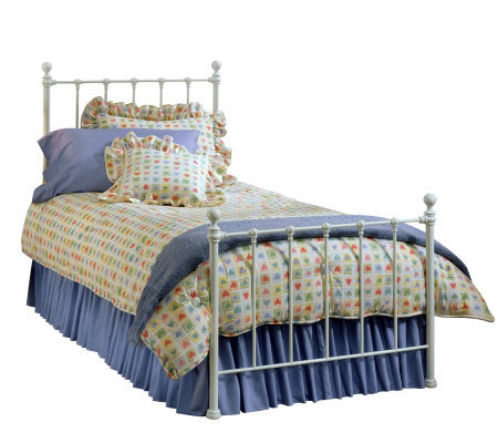 Hillsdale Furniture Molly Bed Queen