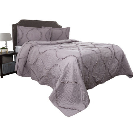 3-Piece Oversized Charlize King Quilt Set by Lavish Home
